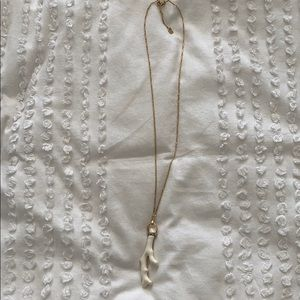 White coral & gold necklace by Stella & Dot